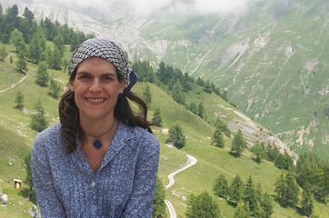 Mariela Loubet, Masaje terapéutico